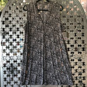 Kenneth Cole Reaction Dresses - Kenneth Cole Reaction V-Neck Swift Dress Size XXL